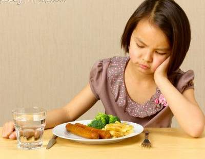 Chán ăn, vàng da là triệu chứng của bệnh xơ gan